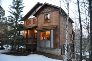 Deadwood Connections :: A wide selection of vacation homes and mountain cabins perfect for small to large groups and any budget.